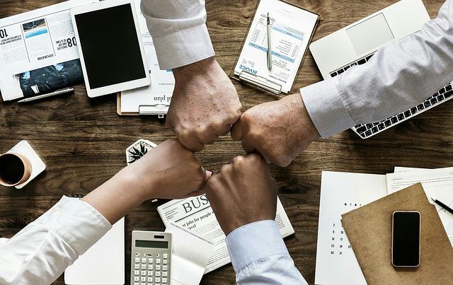 intermediary-company for hiring a remote web developer in Russia